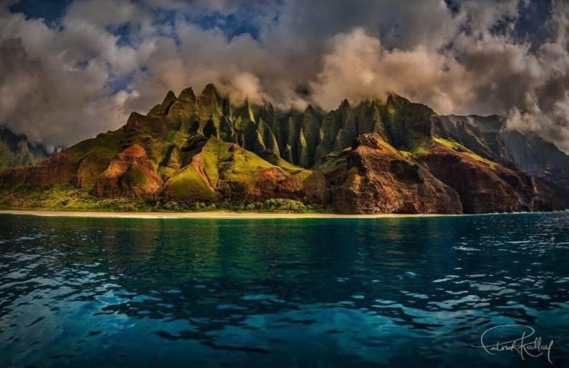 na-pali-overlooking-calm-ocean